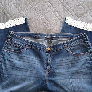 Distressed crop jean